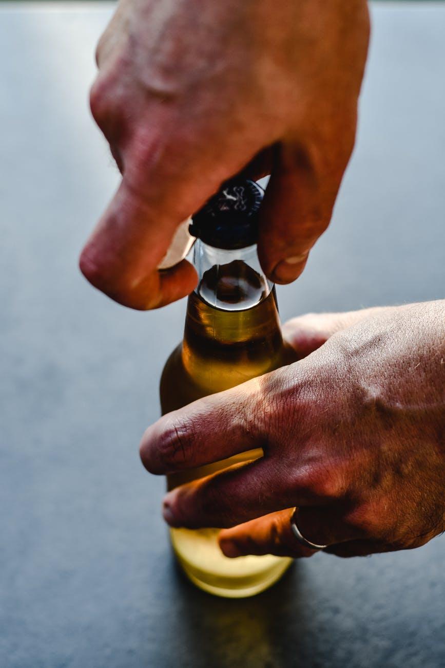 Otevírání sklenic