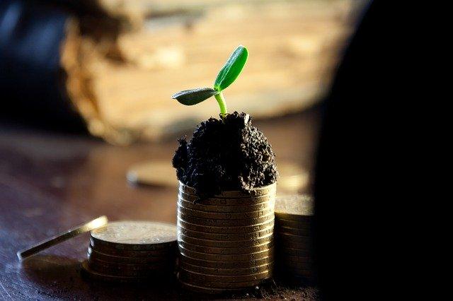ušetřit peníze v bance